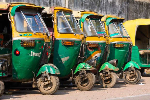 depositphotos_47746727-stock-photo-auto-rickshaw-taxis-in-agra