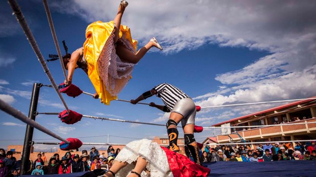 cholitas-wrestling